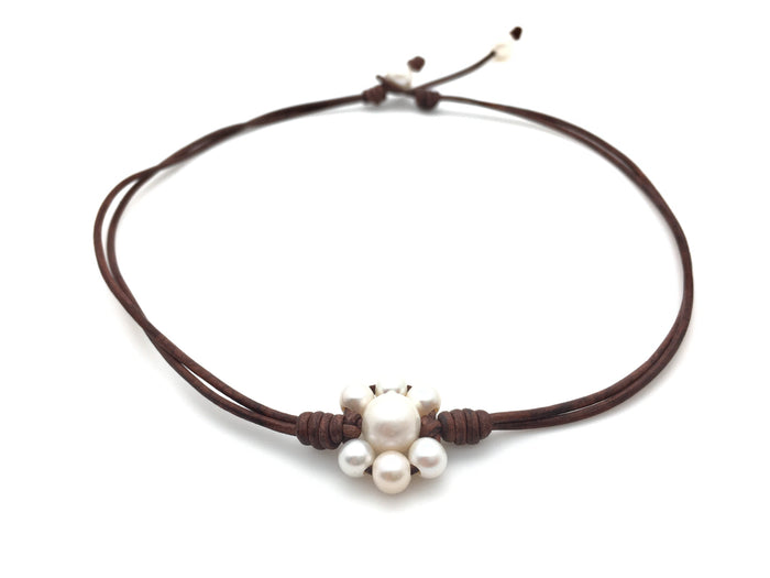 Flower Choker Pearl Necklace