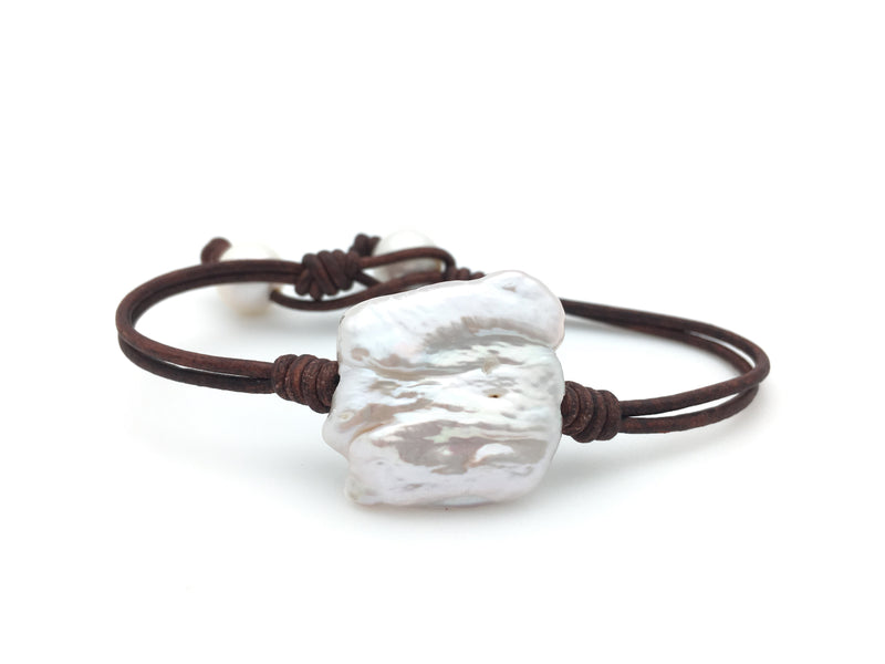Single Biwa Pearl Bracelet