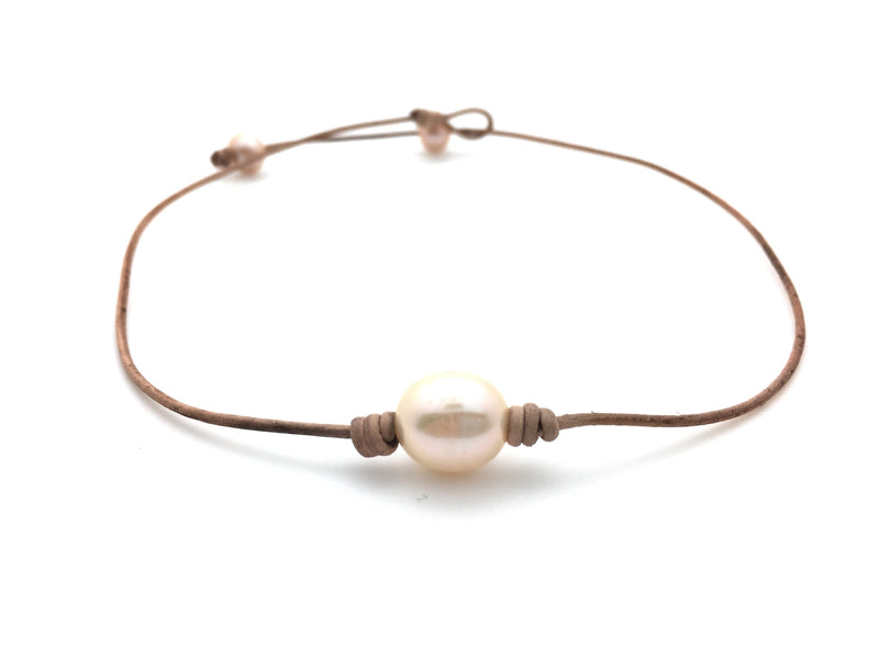 Single Pearl Choker Necklace - Oval