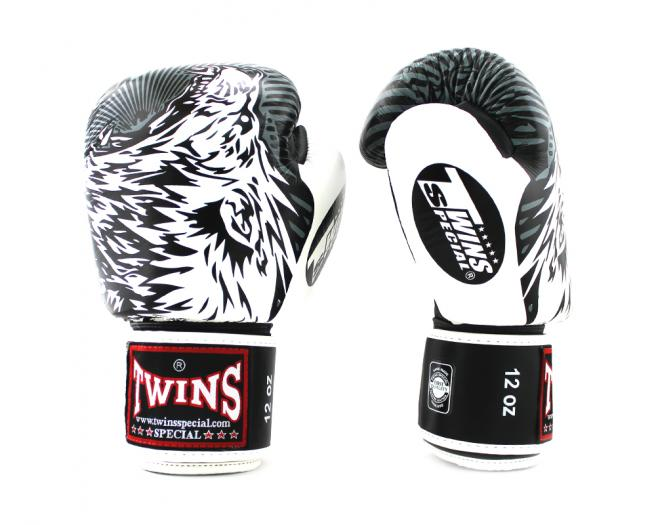 Shiv Naresh Teens Boxing Gloves 12oz: Buy Twins Special Wolf Boxing Gloves (BFBGVL3-50) Online