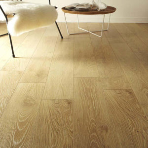 Artens Plus 7 Light Oak 7mm Laminate Flooring (3126817210302) SQM Price is £8.50 - Decoridea.co.uk