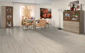 Egger Classic Western Oak Light 7mm Laminate Flooring SQM Price is £8.50 - Decoridea.co.uk