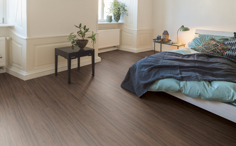 Egger Tobacco Carini Walnut 12mm Laminate Flooring (EHL117)