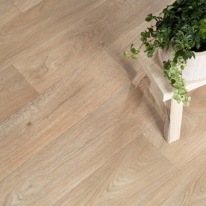 Toronto 562 Residential Vinyl Lino Flooring 4m Width Square Metre Price is £8.95 - Decoridea.co.uk