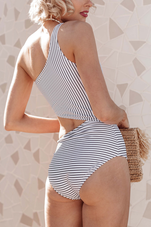 One Shoulder Cutout Design Striped Swimsuit One Piece