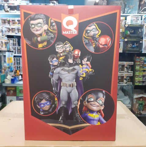 Batman: Family Limited Edition Q-Master Diorama