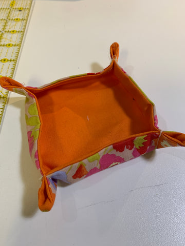 a fabric catch-all tray made of quilting cotton