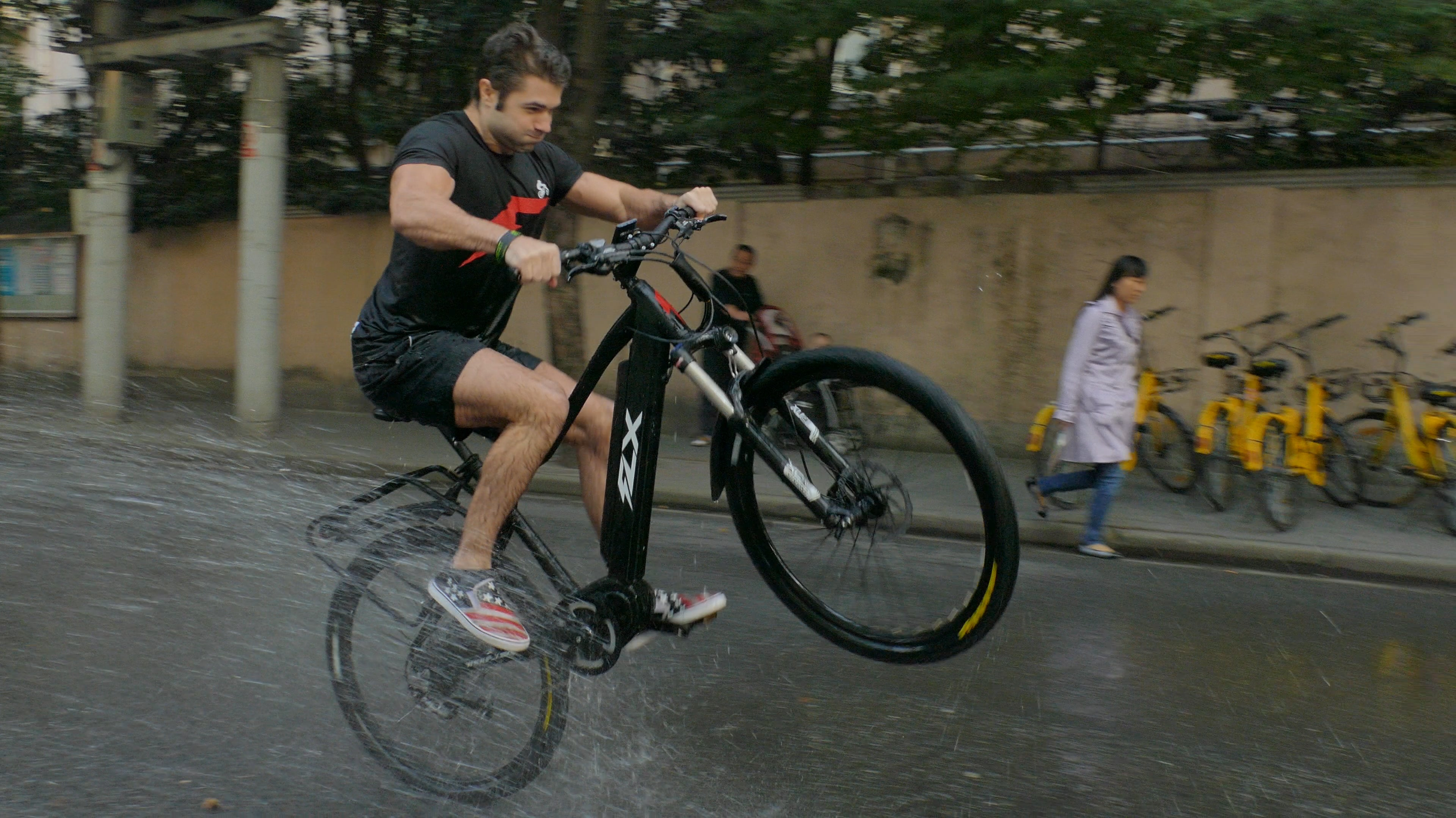 Can you ride an electric bike in the rain?