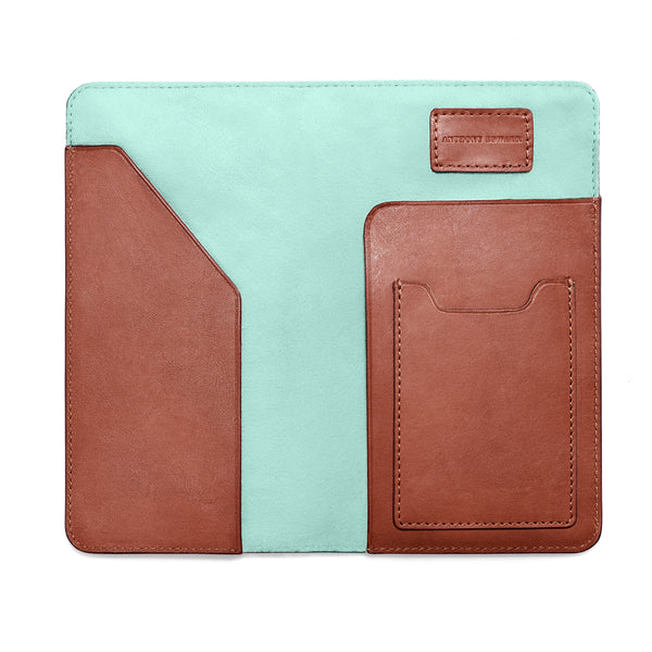 PASSPORT CASE COGNAC CLEARLY TURQUOISE