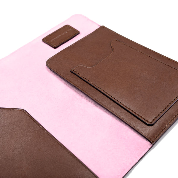 PASSPORT CASE BROWN CORAL PINK