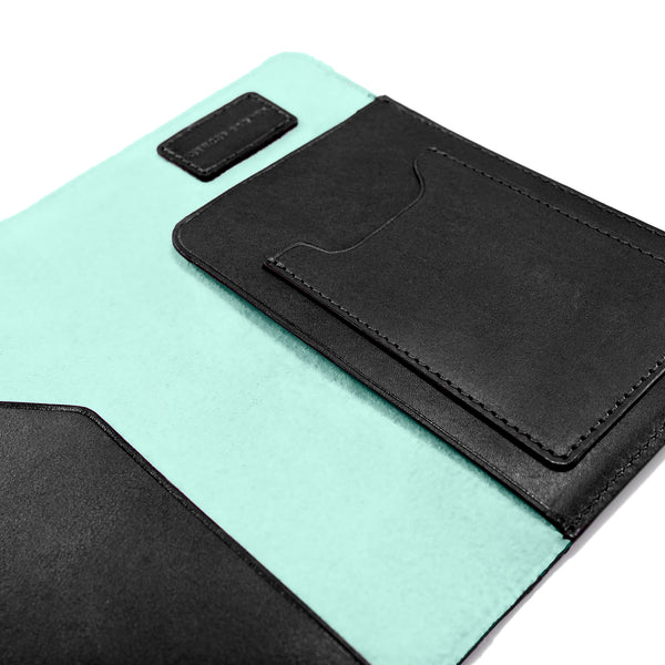 PASSPORT CASE BLACK CLEARLY TURQUOISE (497301848113)
