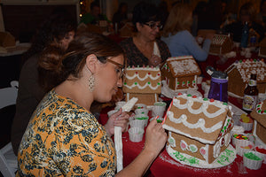 Adult Gingerbread House Decorating Workshops