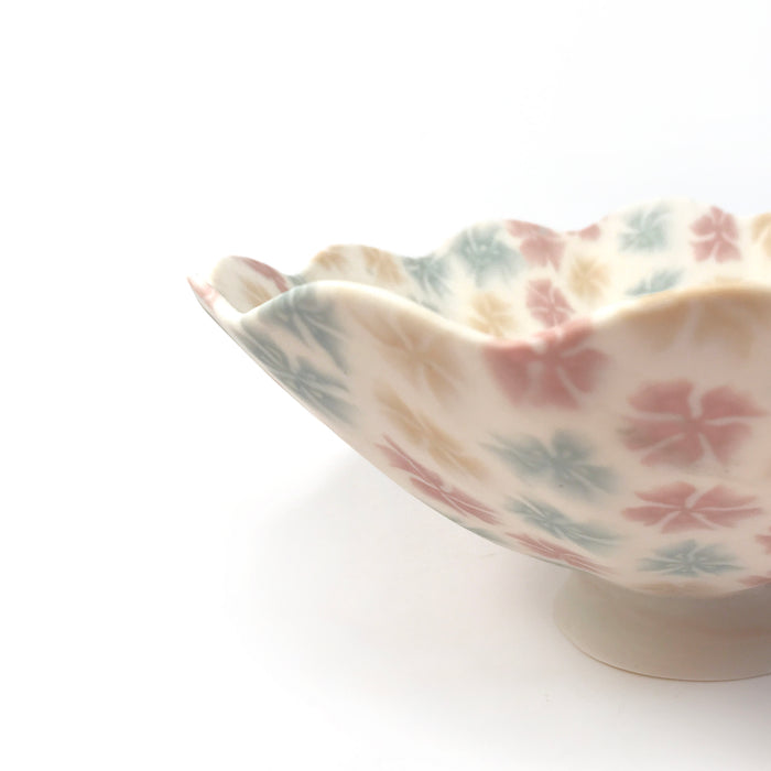 Repeat Flower Pattern Dish