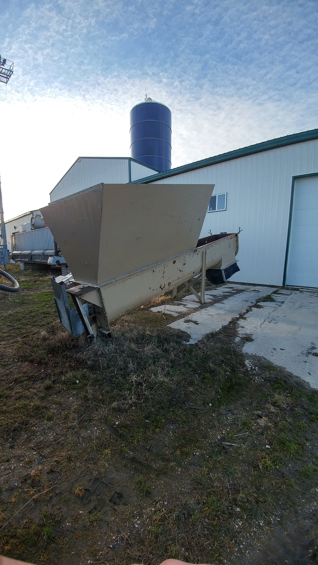 Heavy Duty!! 26 ft long x 20 Diameter Auger with large feeding hopper