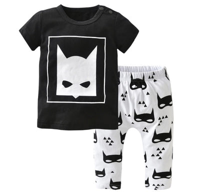 Looks Like Batman Short Sleeve T-shirt & Leggings