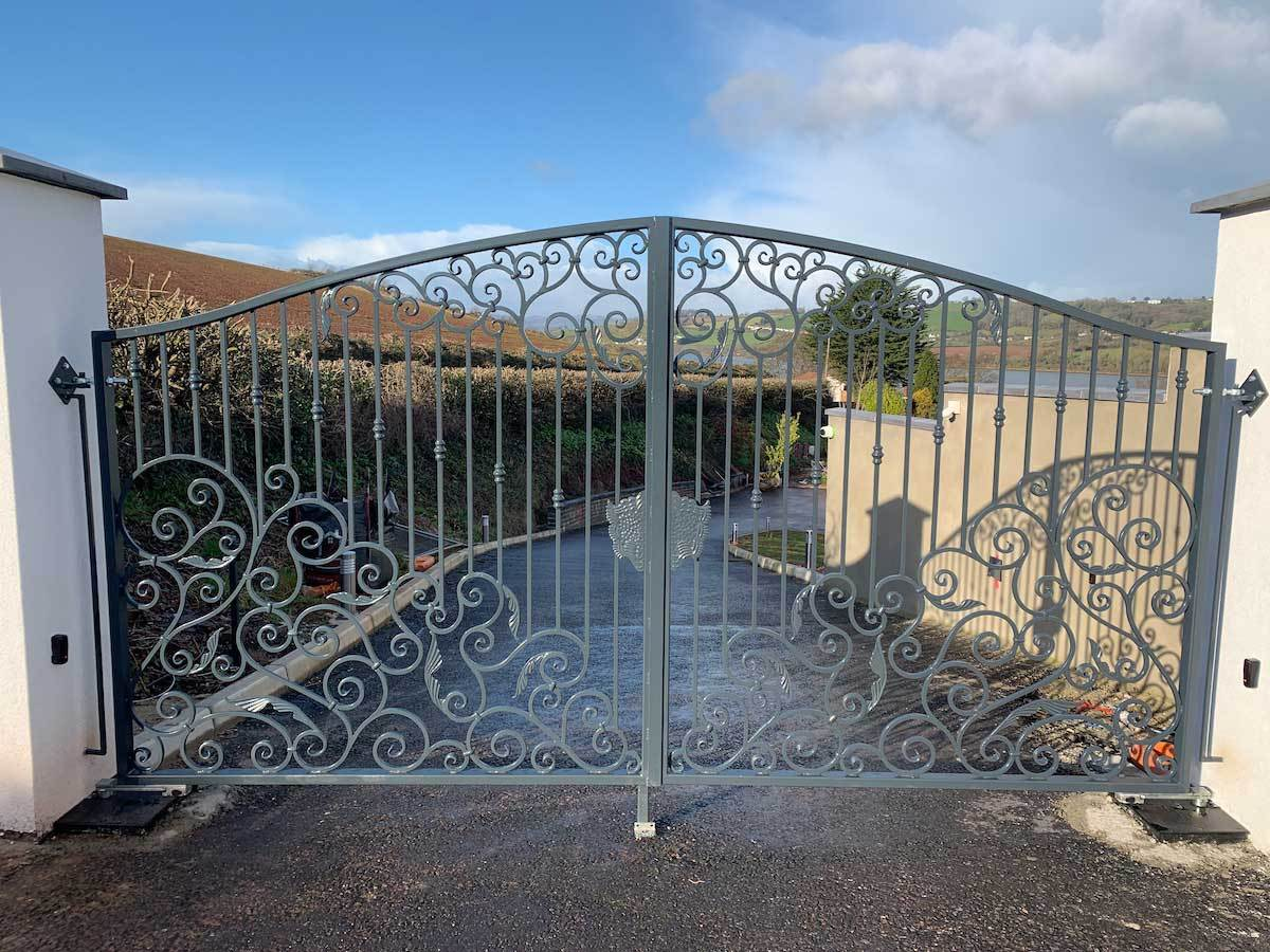 Estate Gates - Torquay Style - Estate Gate