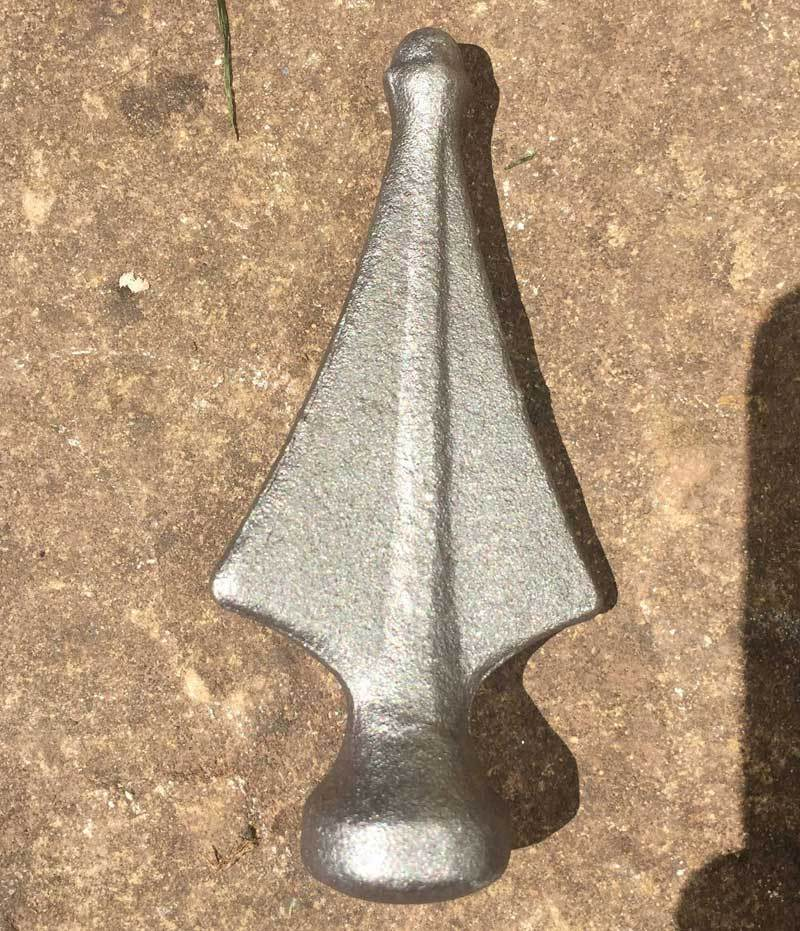 Rail Head - Rail Head - Blunt Arrow - Cast Iron - Round Base