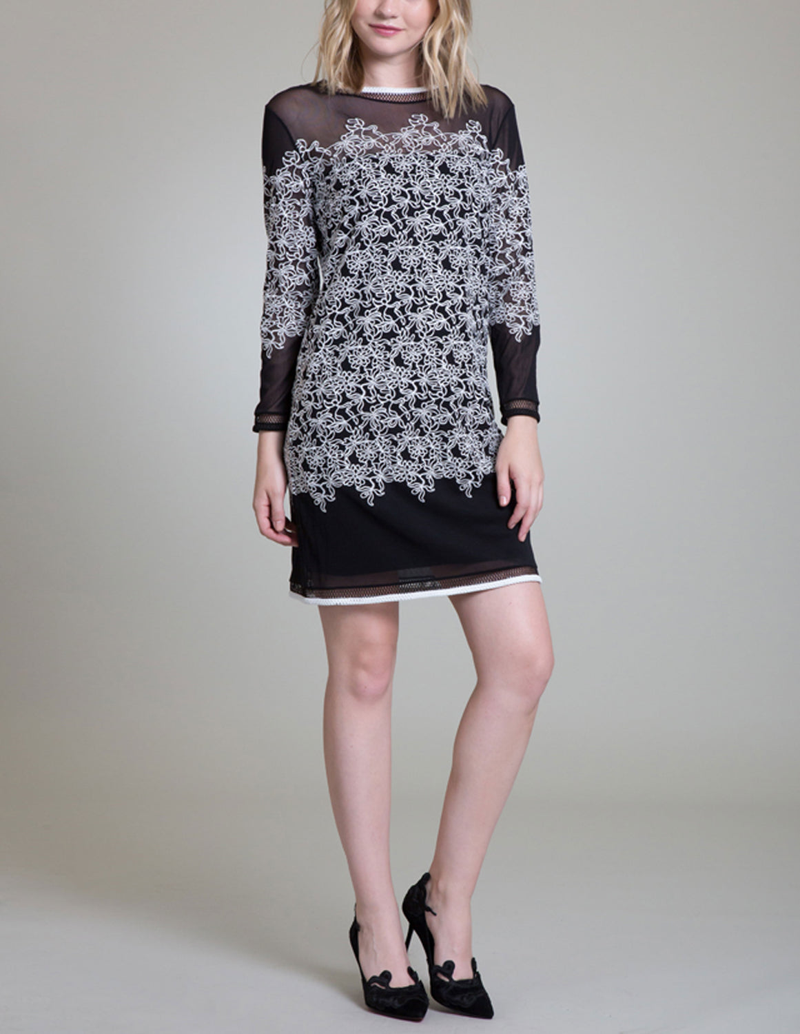Womens Black/Cream Lotus Embroidery Tunic