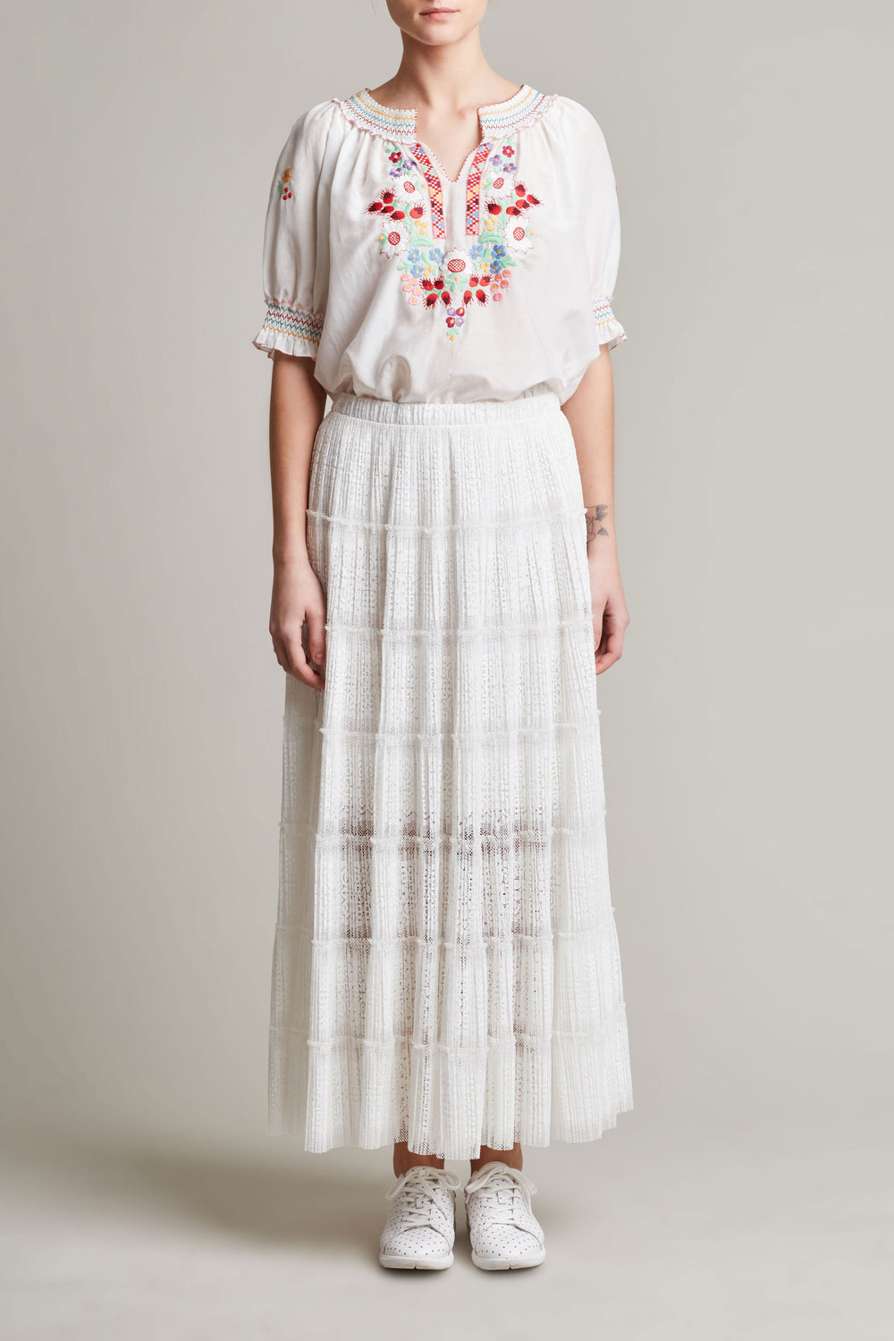 Womens White Flower Embroidered Peasant Blouse