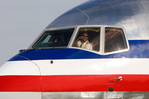image of American airlines pilot,