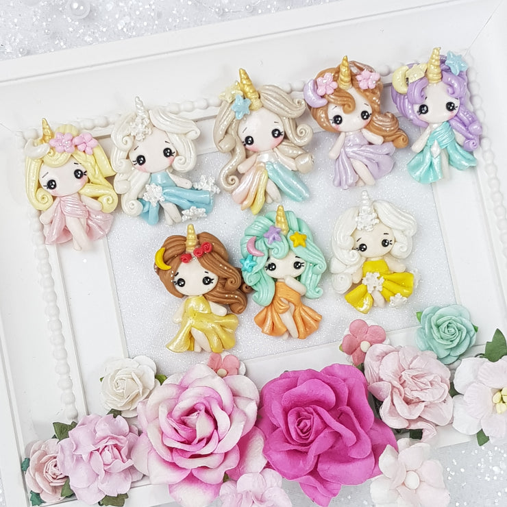 The Unicorn Princess - Handmade Flatback Clay Bow Centre - Crafty Mood