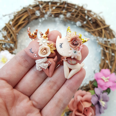 Adorable Autumn Deer - Embellishment Clay Bow Centre