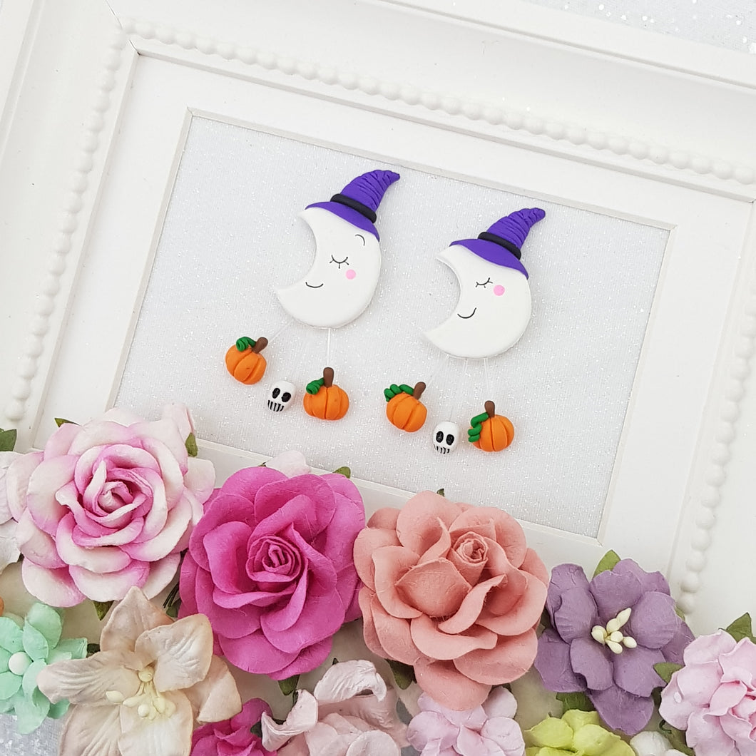 Sleepy Halloween Moon - Embellishment Clay Bow Centre