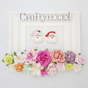 Adorable Christmas Santa head - Embellishment Clay Bow Centre
