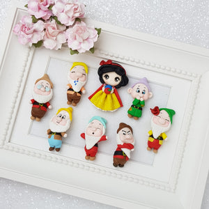 Princess and the dwarfs - set of 8 - Embellishment Clay Bow Centre - Crafty Mood