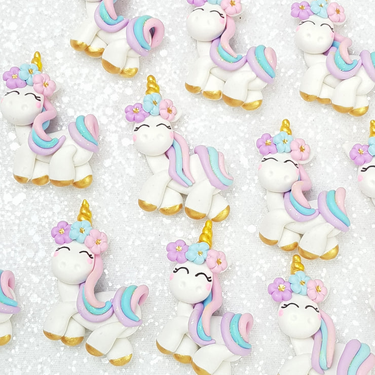 Happy pastel unicorn - Handmade Flatback Clay Bow Centre - Crafty Mood