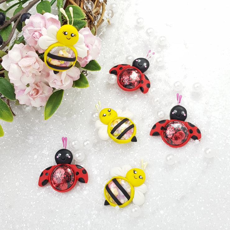 Bee and Ladybugs Shaker - Handmade Flatback Clay Bow Centre - Crafty Mood