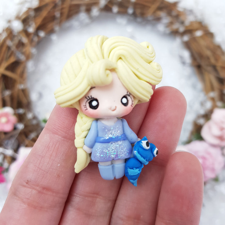Blonde Winter Queen - Embellishment Clay Bow Centre - Crafty Mood