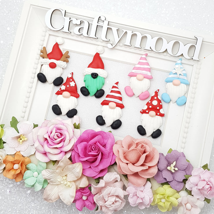 Adorable gnome - Embellishment Clay Bow Centre