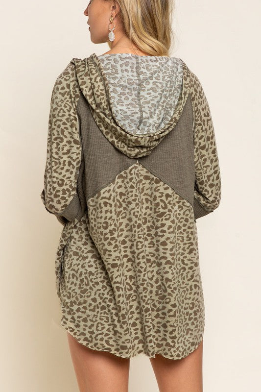Hoodie Knit Top - Camo