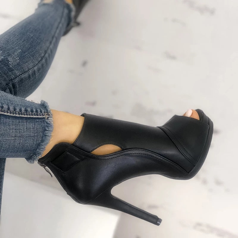 Hollow Out Square Heels