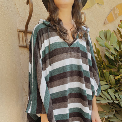 Rayas Verdes Pullover Poncho With Hood