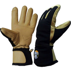 Free the Powder Gloves - a nice example of short cuffs. Shop Free the Powder now!