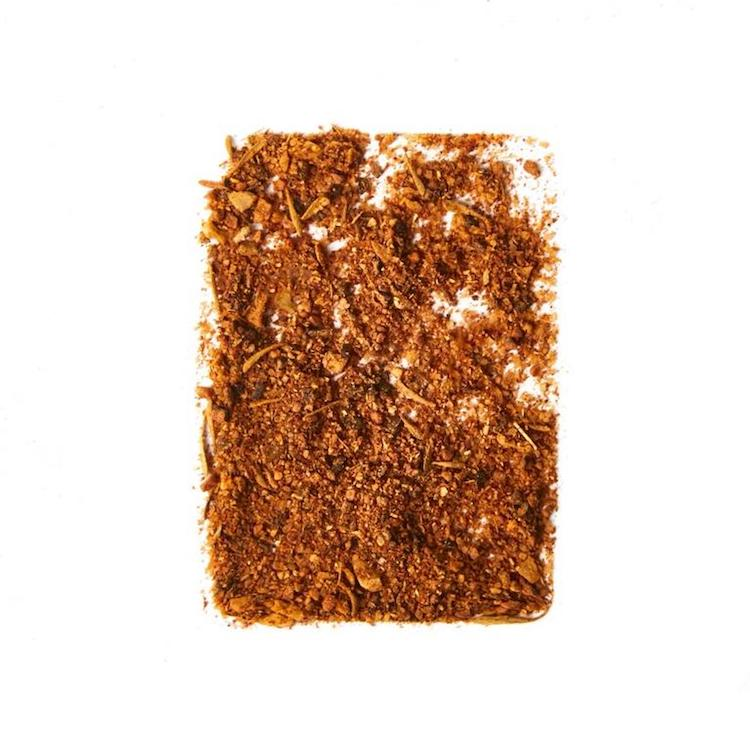 A blend of peppery horseradish, garlic, sweet paprika and cayenne