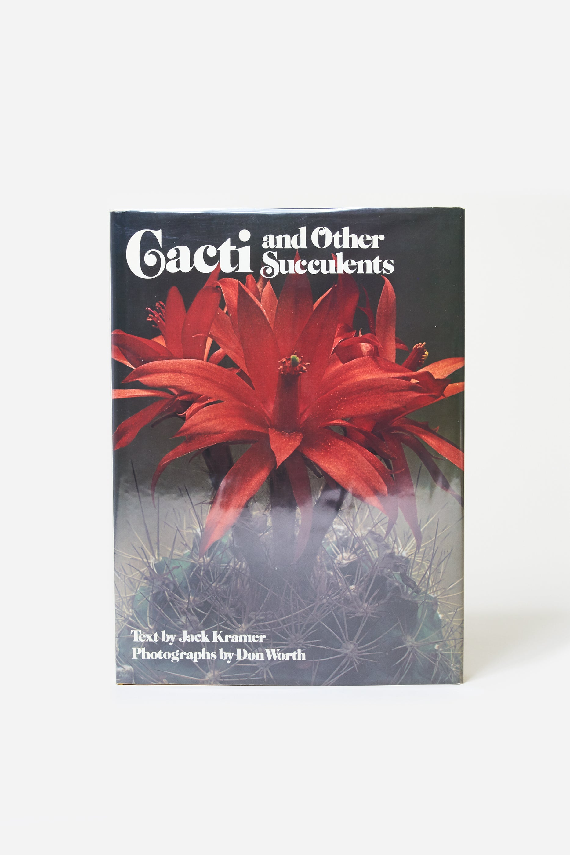 Cacti and Other Succulents / Jack Kramer & Don Worth / 1977 1st sc