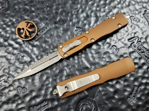 Microtech Dirac D/E Full Serrated Stonewash Tan 225-12TA