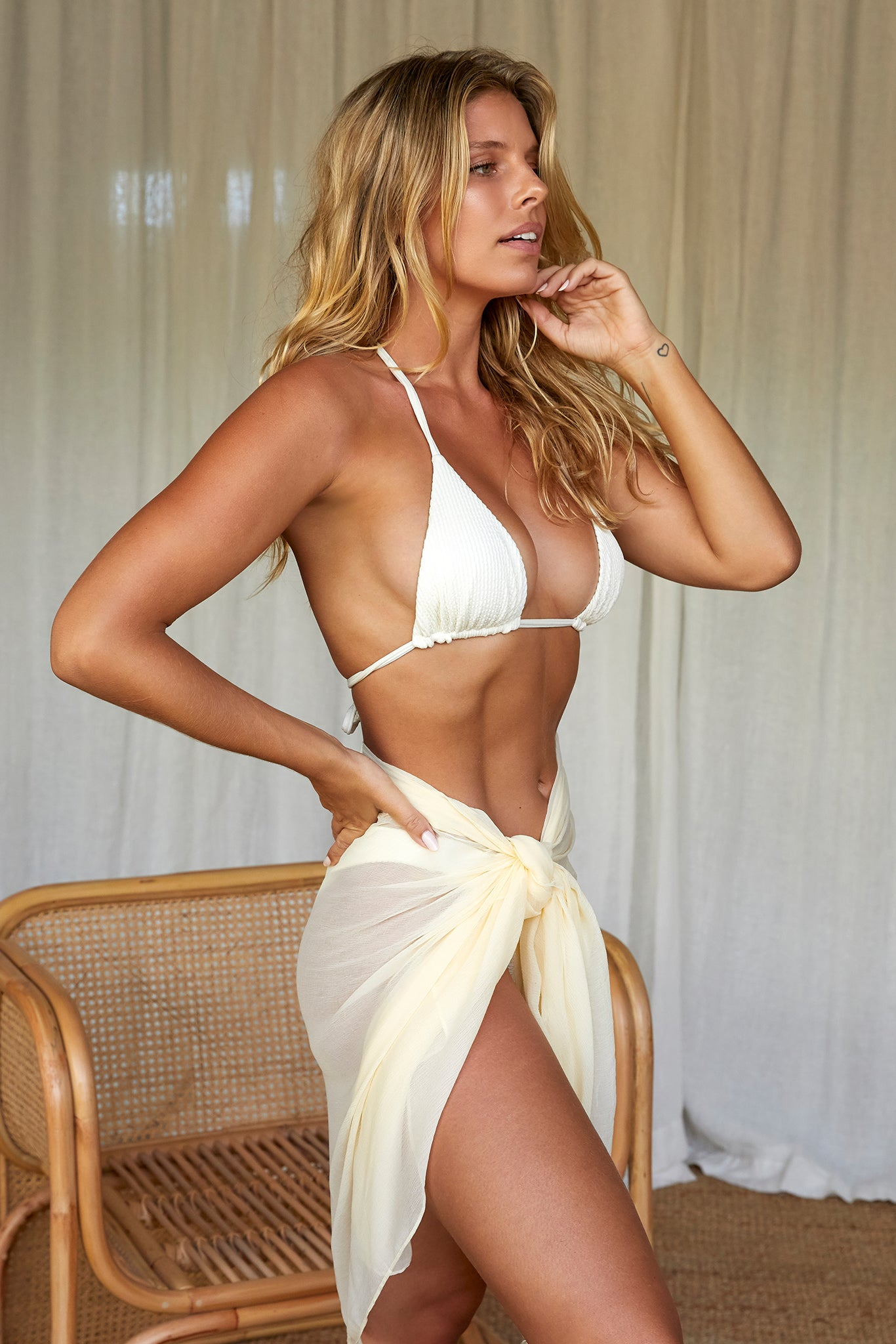 Load image into Gallery viewer, Mykonos Chiffon Sarong - Ivory