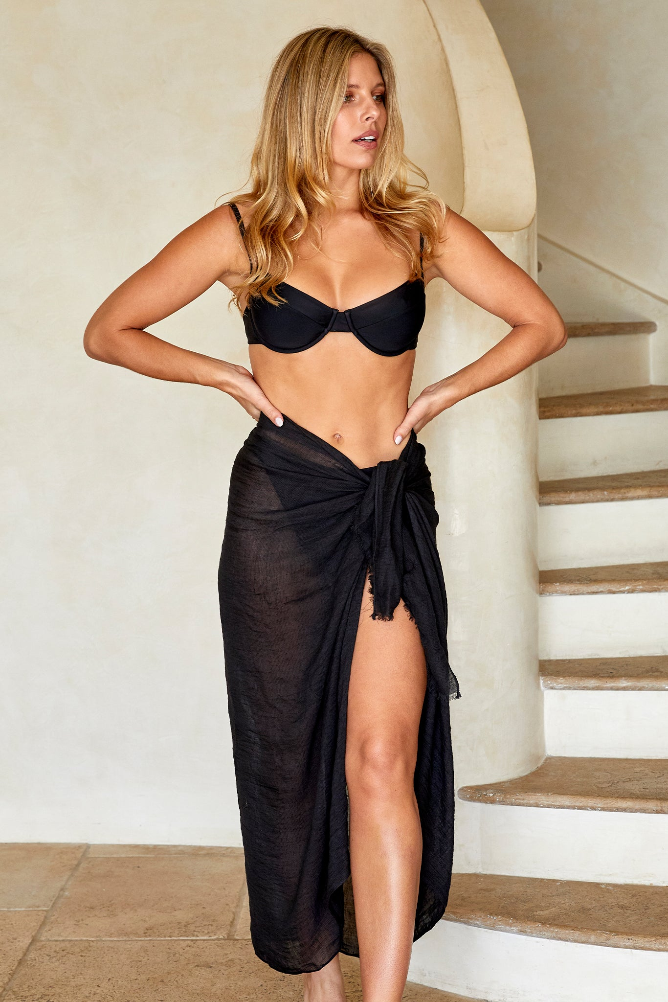 Load image into Gallery viewer, St. Tropez Sarong - Black