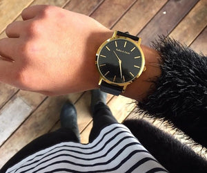 Unisex Wrist Watch, golden with Genuine Leather Band in differnt Colors