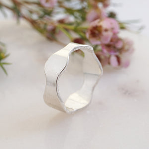 Beautiful Curves Silver Ring