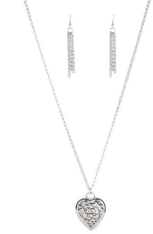 Paparazzi Accessories Victorian Valentine Silver Necklace Set