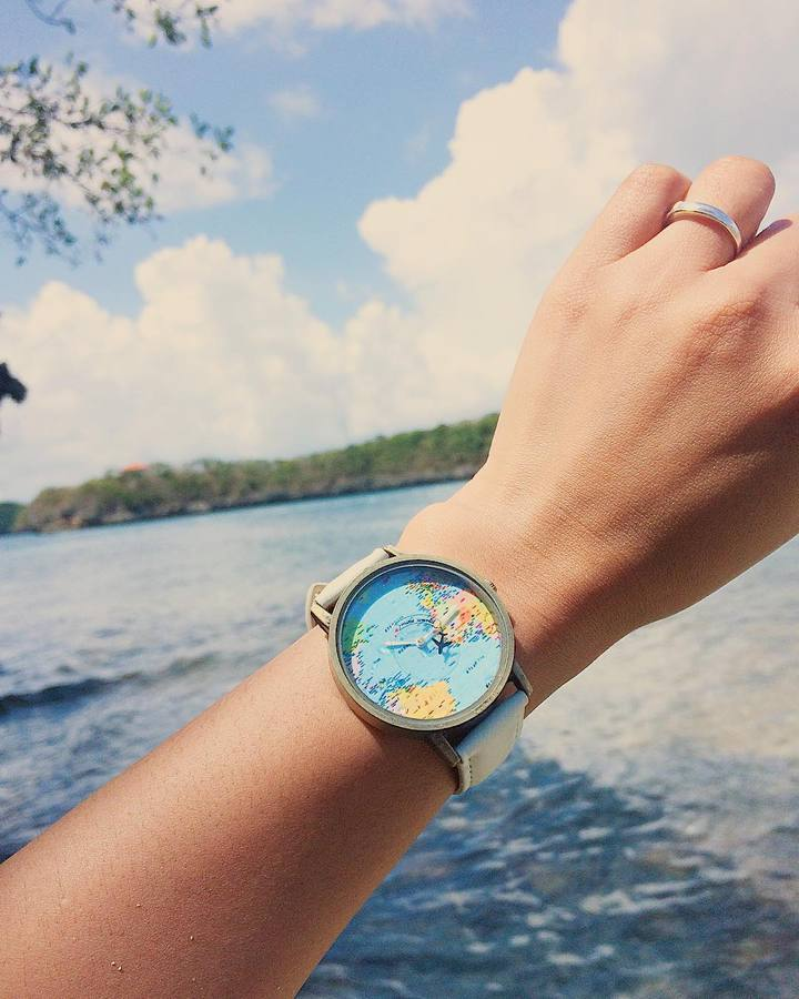 Wanderlust Vintage Watch With Flying Plane Seconds Hand Amazyble