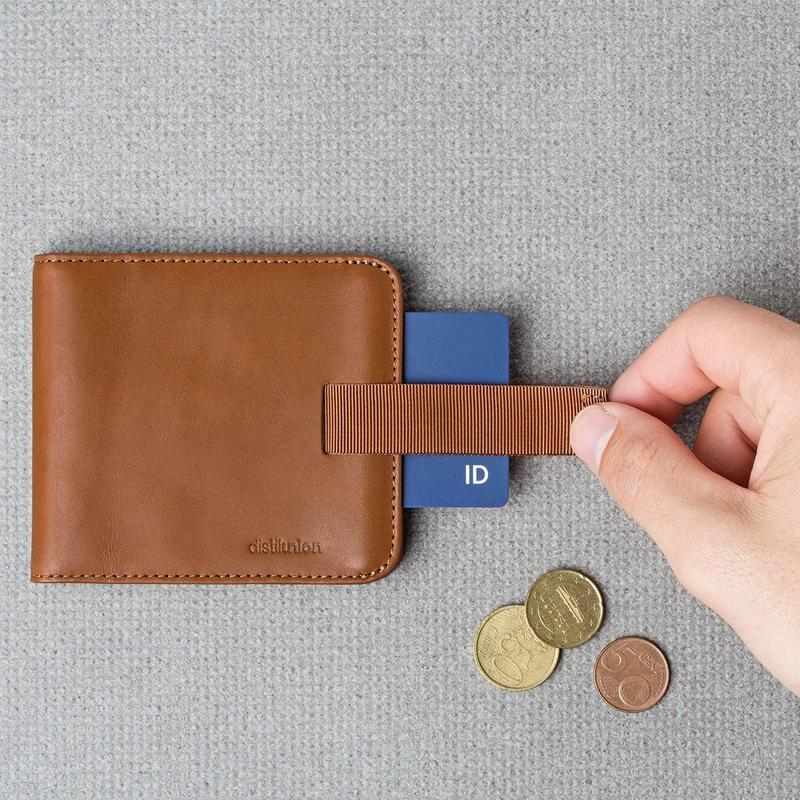 products/distil-union-wally-euro-billfold-wallet-with-pull-tab-brown_800x_3a697bf6-1900-4274-85c7-fe8ac25765f9.jpg