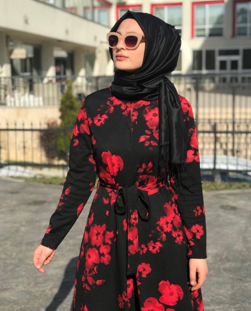 Jumpsuit - Flower Detailed - Black and Red