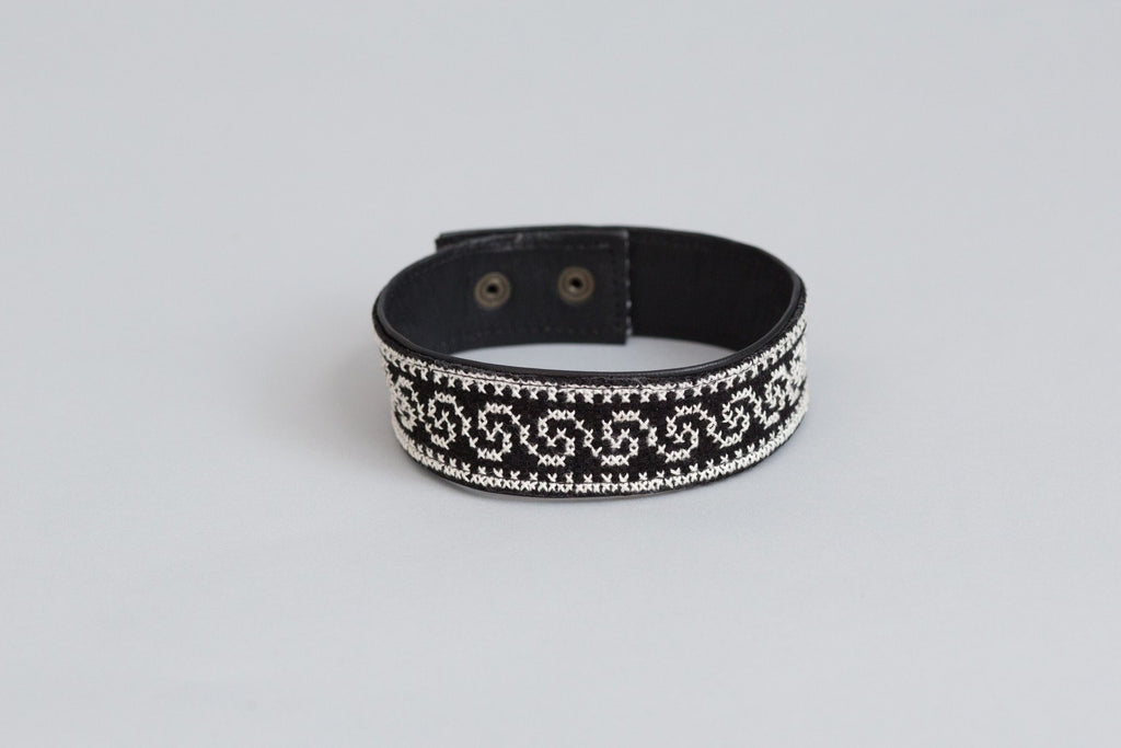 Darzah Tatreez Leather Choker