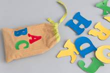 English Alphabet Bag by Zeki Learning